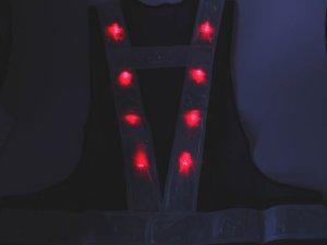画像5: 赤色LED16個点滅 夜光チョッキ 6cm幅 紺メッシュ・シルバー反射(明るい)