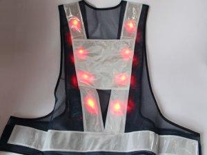 画像2: 赤色LED16個点滅 夜光チョッキ 6CM幅 紺メッシュ・シルバー反射(明るい)【背面 台形反射シート付き】