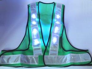 画像2: 青色LED16個点滅 夜光チョッキ 6cm幅 グリーンメッシュxシルバー反射 青色点滅(高速関連)