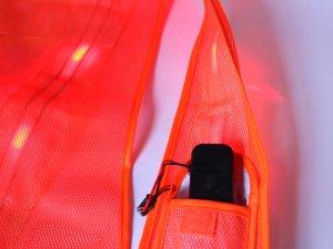 画像4: 赤色LED16個点滅 夜光チョッキ 6CM幅 オレンジメッシュ・イエロー反射(明るい)【背面 台形反射シート付き】