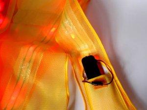 画像4: 赤色LED16個点滅 夜光チョッキ 6CM幅 黄メッシュ・黄反射(明るい)