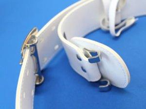 画像2: ビニール帯革(たいかく) つめ金具バックルひっかけ式 50mm幅 白・黒