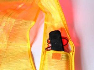 画像4: 赤色LED16個点滅 夜光チョッキ 6cm幅 黄メッシュ・シルバー反射(明るい)