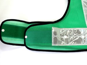 画像3: 夜光チョッキ 7cm幅 幅広 グリーンメッシュ・シルバー反射 サイズ調整ベスト【背面 台形反射シート付き】